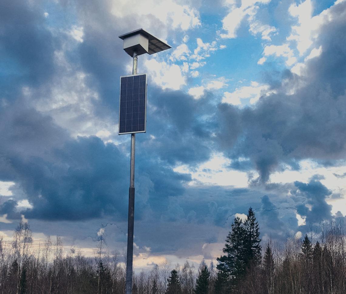 фонарь на солнечной батарее